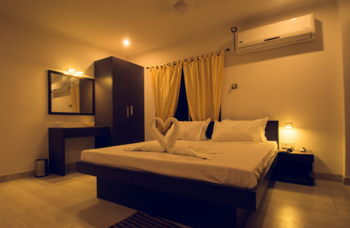 Silver Pearl Room