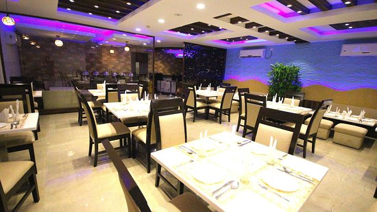 looking for a trendy themed multi-cuisine restaurant in Digha? Aqua Blues in Hotel Coral is the one for you!