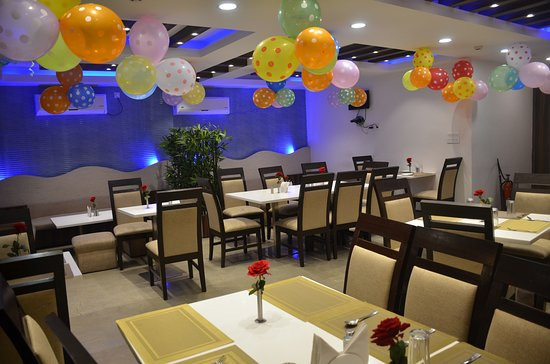 looking for multi-cuisine restaurant in Digha? Aqua Blues in Hotel Coral is the one for you!
